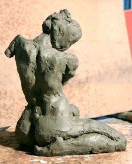 Al pose agenouillée - 3/4 dos torsion épaule bassin