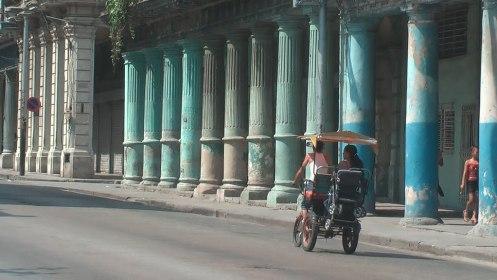 colunas Um passeio por Havana: La Ciudad de las Columnas