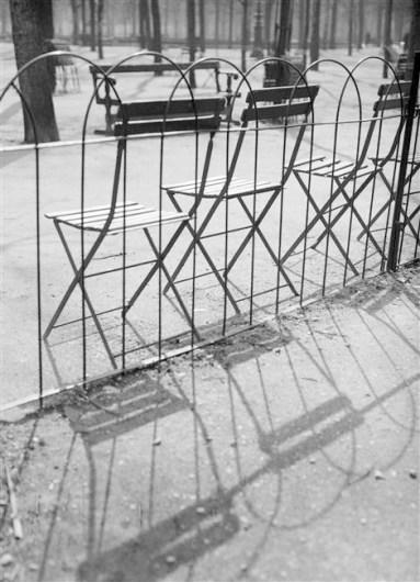 kertesz_chaises_1927