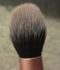 Contour brush head