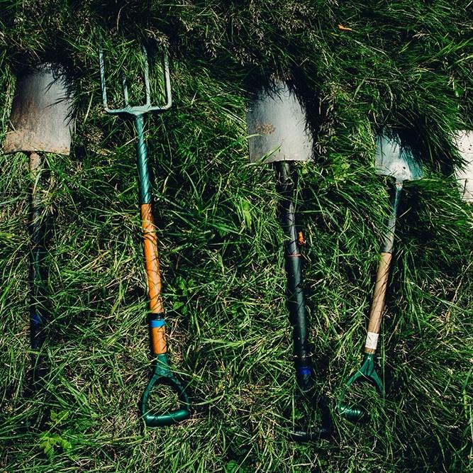 Shovel, tools