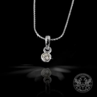 Златен медальон с диаманти