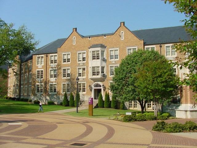 university-of-north-alabama-building