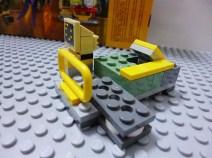 lego-batman-movie-joker-balloon-escape-5