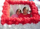 girls in roses 2