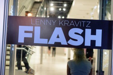 Lenny Kravits Flash
