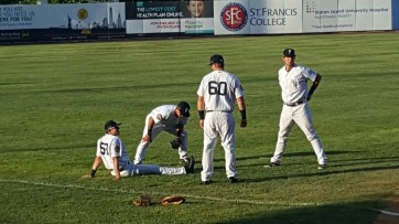Yankees warming up before the game