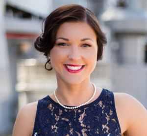 Lindsay-2016-Headshot-for-Web Lindsay Bradford, Consultant