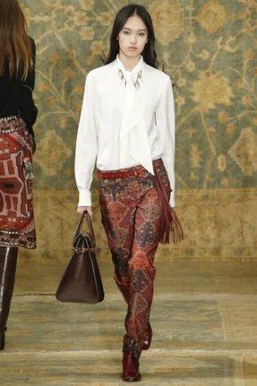 white-blouse-trendy