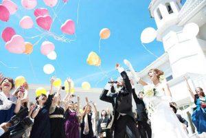 滋賀で人気ランキング上位の結婚式場をご紹介している滋賀ブルースター