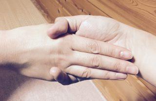 【三指】握手
