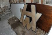 Wird nicht mehr gebraucht - Ein Logo von Harland & Wolff.