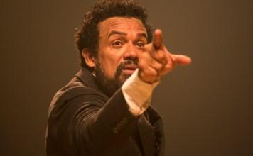 Espetáculo do ator Deo Garcez resiste mesmo em tempo de crise