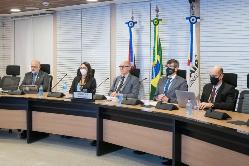 energia limpa e acessível no Brasil e no Paraguai