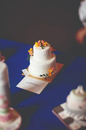 SALLIE BRYSON (EDINBURGH BRANCH) COMMENDED - MINIATURE WEDDING CAKE