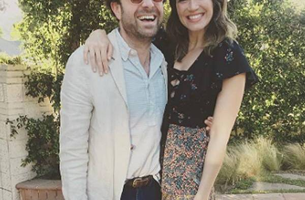 rs 600x600 170912182158 600.Mandy Moore Taylor Goldsmith.ms.091217