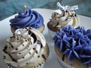 Bride-to-be Cupcakes | bsinthekitchen.com #bridal #cupcakes #bsinthekitchen