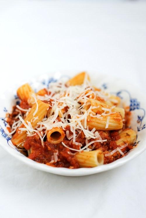 Rigatoni with Spicy Ground Turkey Ragu   bsinthekitchen.com #dinner #bonappetit #cookthecover #bsinthekitchen