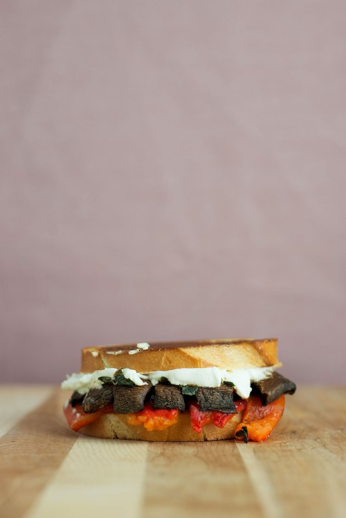 Roasted Red Pepper, Portobello & Goat Cheese Grilled Cheese | bsinthekitchen.com #grilledcheese #portobello #bsinthekitchen