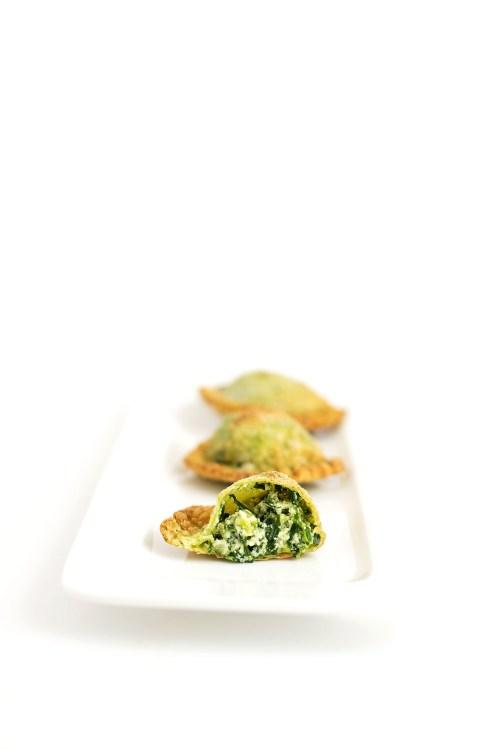 Deep Fried Spinach Ravioli | bsinthekitchen.com #ravioli #spinach #bsinthekitchen