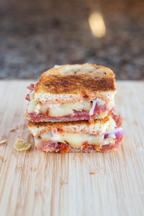 The Italian Grilled Cheese | bsinthekitchen.com #grilledcheese #sandwich #bsinthekitchen