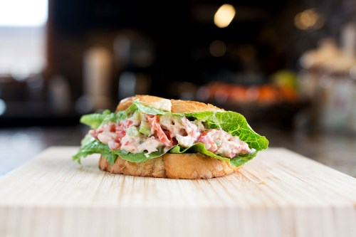 Lobster Roll | bsinthekitchen.com #lobster #sandwich #bsinthekitchen