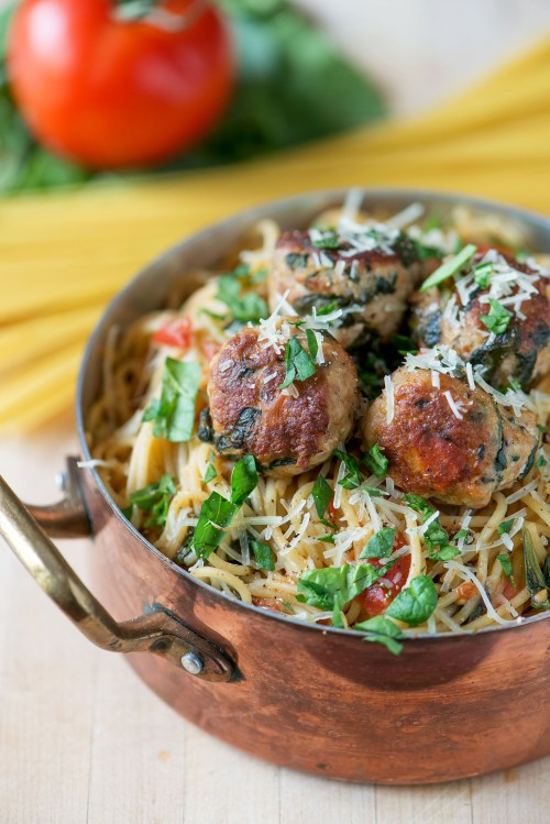 One Pot Spinach & Turkey Meatball Pasta | bsinthekitchen.com #pasta #dinner #bsinthekitchen