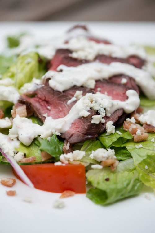 Steak Salad with Bacon Blue Cheese Dressing | bsinthekitchen.com #salad #dinner #bsinthekitchen