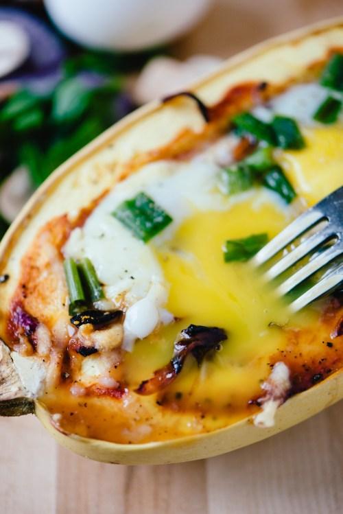 Breakfast Spaghetti Squash | bsinthekitchen.com #breakfast #healthy #bsinthekitchen