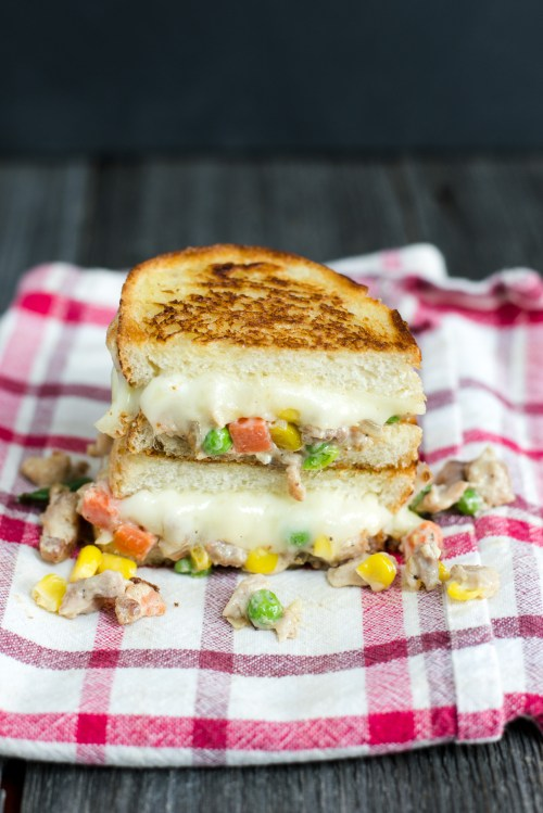 Chicken Pot Pie Grilled Cheese | bsinthekitchen.com #grilledcheese #sandwich #bsinthekitchen