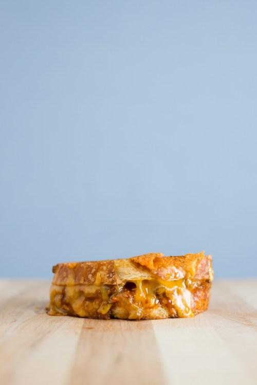 Chili Cheese Grilled Cheese | bsinthekitchen.com #sandwich #grilledcheese #bsinthekitchen