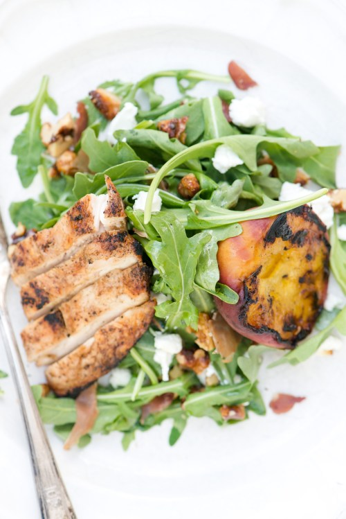 Grilled Peach, Chicken, & Arugula Salad | bsinthekitchen.com #bsinthekitchen #barbecue #salad