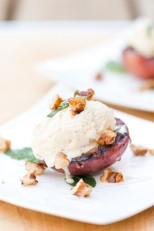 Grilled Peach & Ice Cream | bsinthekitchen.com #bsinthekitchen #barbecue #dessert