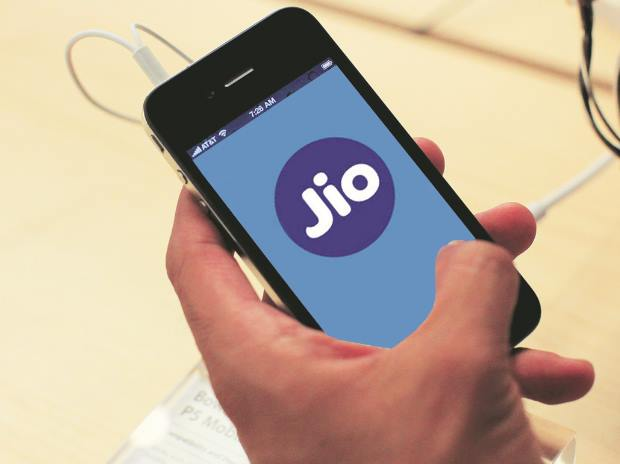 Reliance Jio to announce new tariff plans, feature phone on July 21