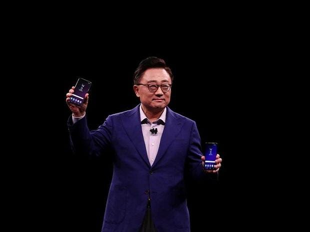 Samsung's Galaxy S9 , Galaxy S9 launch, mobile world congress,  Apple iphone X, androild, window 10, Huawei, Apple i phone, Galaxy S8,iPhone 8, SD memory,Apple,