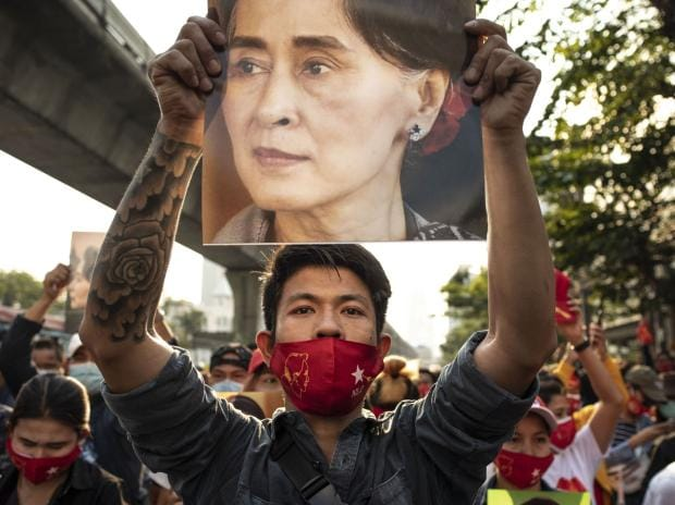 Myanmar charges Aung San Suu Kyi, giving legal basis to detain her
