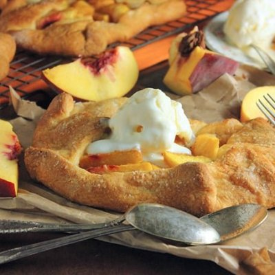 Open Face Peach Pies Recipe