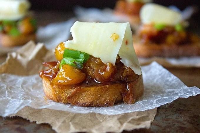 Bruschetta Recipe with Bacon and Peaches