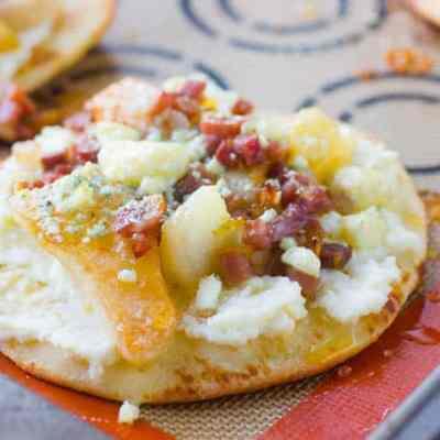 Pear and Prosciutto Flatbread Pizzas