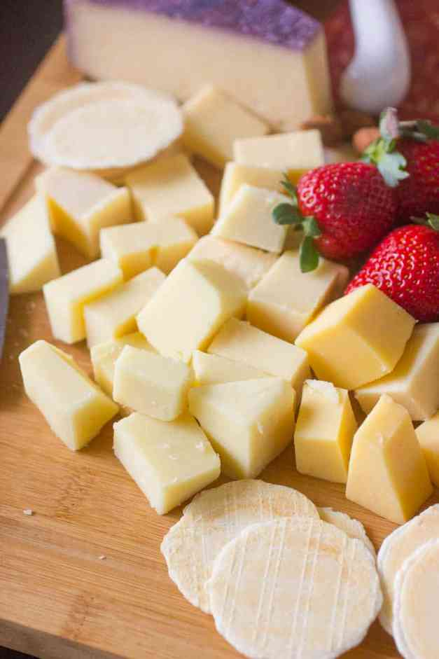How to make a Cheese Platter