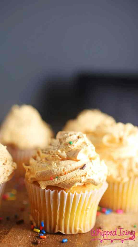 Cupcakes with Pumpkin Whipped Frosting