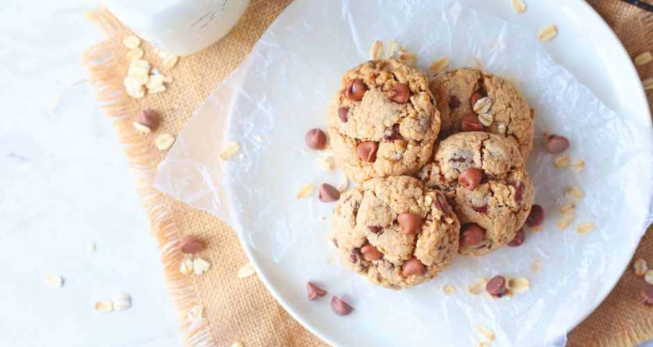 My Conversation with Aunt Viv & Oatmeal Chocolate Chip Cookies