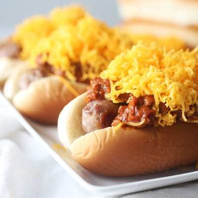 Cincinnati-Style Chili Cheese Bratwurst