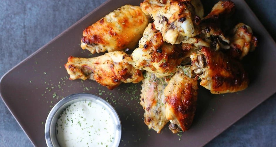 Garlic and Ranch Crispy Baked Chicken Wings
