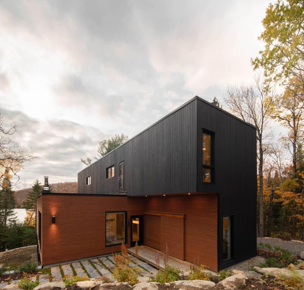 Maison préfabriquée avec vue sur le lac au Canada image