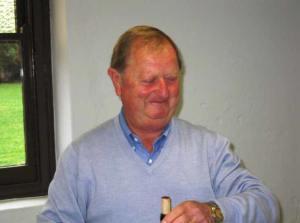 Bruce Thiele a consumate host