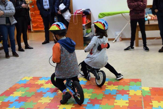 Câmara De Albergaria-A-Velha Entrega Dezenas De Bicicletas De Balanço A Jardins-De-Infância