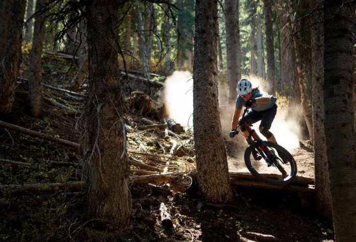 A Idade De Ouro Do Mountain Biking Com A Specialized Stumpjumper E A Stumpjumper Evo