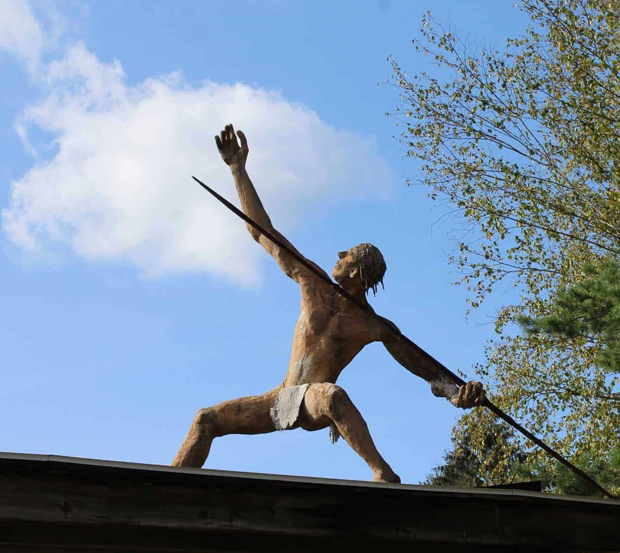 Star Shooter (the lance thrower on the roof) looks at the sky — (hint) near the sweeper. Photo by Thom Smith