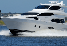 Plezierjacht schip boot varen zee